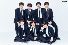 The BTS band made their fifth anniversary with their fans. On the evening of August at the Seoul BlueScooka Eye Market Hall, the Bangtan Boys` debut anniversary show party was held. The Prom Party was broadcast live on the portal site Naver V. Jimin Jungkook, Bts Bangtan Boy, Taehyung, Bts 2018, Bts Group Photos, Family Photos, Family Portraits, Rap Monster, Jung Hoseok