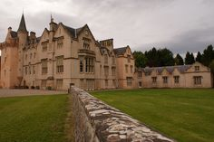 Brodie Castle tower house in Moray Tower House, Castle House, Brodie Castle, Castle Scotland, Old Mansions, Scottish Clans, Classic Architecture, Grand Homes, Abandoned Castles