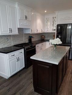 New Kitchen White Cabinets Black Countertop Knobs Ideas Black Granite Kitchen, White Cabinets White Countertops, Black Kitchen Island, Black Kitchen Cabinets, Black Kitchens, Kitchen Countertops, Black Granite White Cabinets, Kitchen White, Granite Tile