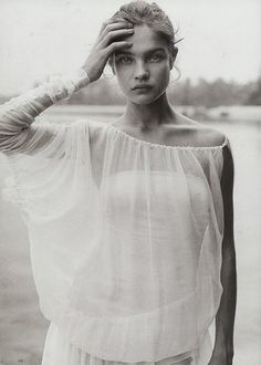 A striking and timeless portrait of Natalia Vodianova by the photographer Peter Lindbergh.