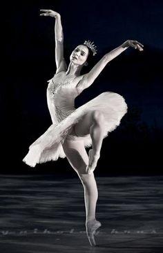 Olesya Novikova in The Sleeping Beauty. Photo by Nikolay Krusser