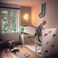 9 DIY Toddler Bed Ideas - Guide to choose the right toddler bed plans. 2019 Best DIY Toddler Bed Ideas transitioning Find out about getting the right timing to switch from toddler crib and more DIY toddler bed ideas which suits your needs. Diy Toddler Bed, Toddler Rooms, Toddler Boy Room Ideas, Boys Room Ideas, Toddler Bunk Beds, Big Girl Rooms, Baby Boy Rooms, Big Boy Bedrooms, Kura Ikea
