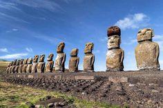 No te puedes perder un viaje a la icónica Isla de Pascua.