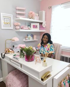 Getting smart ideas comfortable office desk arrangements Home Office Space, Home Office Design, Home Office Decor, Office Furniture, Work Desk Decor, Pink Office Decor, Small Office Decor, Furniture Decor, Desk Arrangements