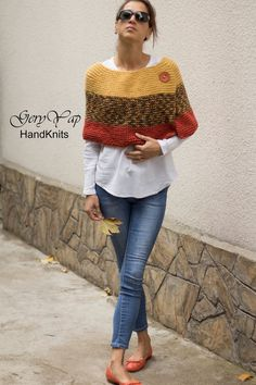 Women's wool poncho shrug cape hand knit yellow multicolored orange chunky knit poncho sweater READY TO SHIP hand made Damen wolle Poncho Achselzucken Kap Hand stricken gelb die Poncho Pullover, Crochet Poncho, Poncho Sweater, Knitted Poncho, Knit Crochet, Crochet Hats, Ladies Poncho, Ladies Vests, Knit Wrap
