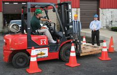 Are you searching top licensed forklift training classes in Ontario? Superior Forklift offer a wide variety of forklift training programs, forklift operating license and forklift certification in California. Training Classes, Training Programs, Workplace Safety, Training Center, Certificate, How To Apply, California, Centre, Management