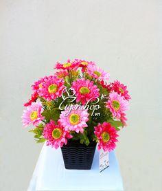 Hoa để bàn Floral Wreath, Wreaths, Flowers, Home Decor, Homemade Home Decor, Flower Crowns, Door Wreaths, Floral, Deco Mesh Wreaths