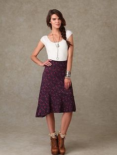 love this outfit! would like to make a skirt like that