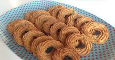 Med FiberSirup fra Sukrin kan du bage lowcarb lækkerier som sprøde vanillekranse og peanutbuttercookies helt uden sukker og mel | glutenfrie vaniljekranse og julesmåkager med crunchy peanutbutter på CDJetteDCs LCHF