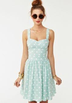 polka dot dress... absolutely adorable!