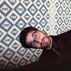 #glee's @Darren Himebrook Himebrook Criss peeks into the Instagram camera on the red carpet on the @Luke Eshleman Eshleman garvin Winter All-Star Party.