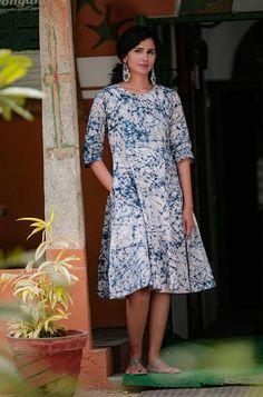 40756e66152 Off White Navy Blue Printed Cotton Dress
