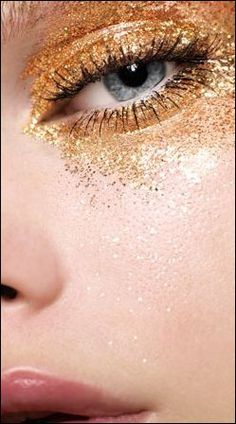 gold glitter eyes - someday might be brave enough to try this for gigs, shiny! Kesha Concert, Gold Sparkle, Gold Glitter, Glitter Makeup, Eye Makeup, Hair Makeup, Makeup Tumblr, Magical Makeup, Golden Eyes