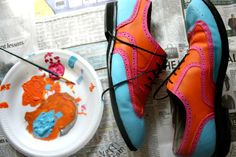 give old shoes a new life with leather paint....LOVE THIS