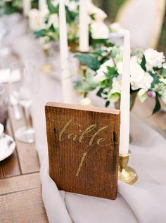 Numero di tavolo in legno recuperato