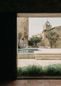 The Peratallada Castle - Picture gallery