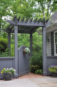 Gate Inspiration for My Side Yard - Home Decor A mini-pergola and arched gate make for a grand entrance to this home's backyard.A mini-pergola and arched gate make for a grand entrance to this home's backyard. Pergola Garden, Backyard Landscaping, Landscaping Ideas, Backyard Gates, Wisteria Pergola, Wisteria Trellis, Garden Pavilion, Backyard Ideas, Garden Entrance