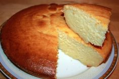 BLITZ SUPEENE of THREE INGREDIENTS Ingredients: - cheese 500 gr. Preparation: Eggs, beat with condensed milk (you can use a mixer, just a whisk, even without fanaticism). 3 Ingredient Cakes, Three Ingredient Recipes, Quick Casseroles, Low Carb Recipes, Cooking Recipes, Russian Cakes, Good Food, Yummy Food, Sweet Pastries