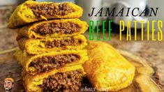 Jamaican Dishes, Jamaican Recipes, Beef Recipes, Cooking Recipes, Jamaican Meat Pies, Jamaican Cuisine, Cooking Videos, Cooking Tips, Jamaican Beef Patties