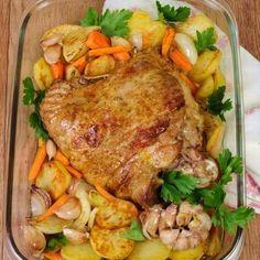 Egy finom Tepsis pulykacomb ebédre vagy vacsorára? Tepsis pulykacomb Receptek a Mindmegette.hu Recept gyűjteményében!