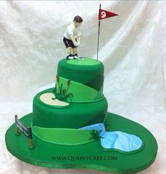 Making this for Banny Bear (Robert) Golf Groom's Cake - why is it a grooms cake? Why don't they just have a weeding cake? Birthday Cakes For Men, Cake Birthday, Hubby Birthday, Fancy Cakes, Cute Cakes, Pink Cakes, Golf Grooms Cake, Golf Cakes, Groom Cake