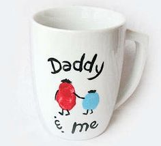 Daddy and Me coffee Mug! Fathers Day Gift Ideas for Kids #FathersDay #Gifts http://www.isavea2z.com/10-fathers-day-gift-ideas-for-kids/