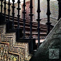 #ihavethisthingwithstairs too and the #tilework found here at #plazadeespana I totally #Seville #Sevilla #Andalucia #Andalucía #thisisseville #thisisandalucia #travel #instatravel #wanderlust #travelling #instapassport #ceramic #instatraveling #mytravelgram #travelgram #igtravel #spain #plazadeespaña #tileaddiction #tilepporn #tile #tiles #ihaveathingfortiles #ihavethisthingwithtiles #stairs #staircase #stair by kei.nakayama