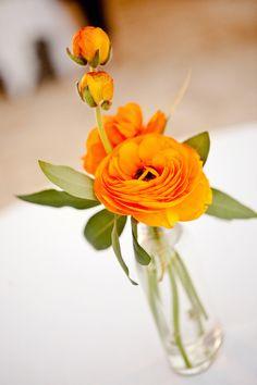 small-vase-peony-orange-simple