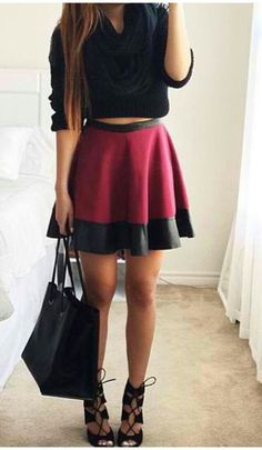 Stunning and simple skirt,accessorize to your hearts content!!!