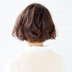 つぶれやすい髪でお悩みなら「短めか×根元立ち上げパーマ」が正解!