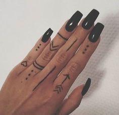 Finger Tattoos 55633 Tattoo Finger Hand Nails 66 Ideas List of the most beautiful tattoo models Henna Tattoo Hand, Cute Hand Tattoos, Small Hand Tattoos, Fake Tattoos, Mini Tattoos, Henna Mehndi, Arabic Henna, Tattoos For Fingers, Arabic Tattoos
