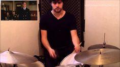 baterista interpretando diálogo de filme