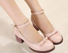 Fabric&Care: PUDesign Features:(1)Solid Color(2)Chunky Heel(3)Buckle(4) Bow(5)PU<p>Detail in Tile Measurement:</p><br/><p>Platform:1cm, Height:5.5cm</p><br/><p&g..