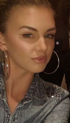 Love Lala Kent's makeup in this pic