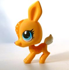 LPS Littlest Pet Shop Yellow Bambi Deer Fawn Blue Eyed Hasbro Toy Figure. Rare Character Model #3268 Vintage Collectible Miniature Figurine