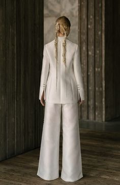 Sanger - Rivini spring 2019 - Pebbled Oxford blazer and side slit wide pants accented with beaded tab closures. Bridal Looks, Bridal Style, Wedding Jumpsuit, Modern Love, Wide Pants, Hot Outfits, All Things, Duster Coat, Blazer