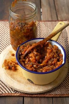 Chutney is a form of relish with South Asian origins. Fruit chutney became the… Fruit Chutney Recipe, Chutney Recipes, South African Dishes, South African Recipes, Africa Recipes, Pesto, Peach Chutney, Dips, Biltong