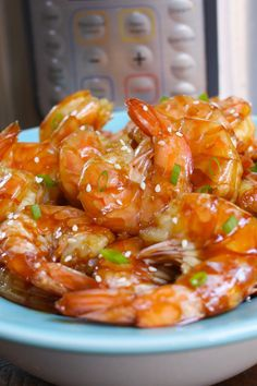 Instant Pot Shrimp with honey garlic sauce garnished with minced green onion and sesame seeds on a serving plate Honey Shrimp, Garlic Shrimp, Garlic Chicken, Quick Meals To Make, Quick Weeknight Meals, Easy Grilled Shrimp Recipes, Slow Cooker Bacon, Potted Shrimp, Honey Garlic Sauce