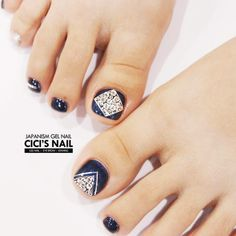 Toe nail design ideas will greatly complement almost every summer outfit that yo - Reality Worlds Tactical Gear Dark Art Relationship Goals Glitter Pedicure, Clear Glitter Nails, Glitter Toes, Manicure And Pedicure, Pedicures, Feet Nail Design, Pedicure Nail Designs, Long Nail Designs, Pretty Nail Designs
