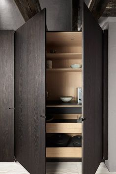 Pocket doors give easy access to the heavier kitchen appliances. Kitchen Appliance Storage, Kitchen Cupboards, Kitchen Art, Kitchen Interior, Primitive Furniture, Kitchen Furniture, Küchen Design, House Design, Booth Design