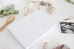 Kaunis lausepäiväkirja viidelle vuodelle. Kirjoita ylös ihanimmat lapsuusajan muistot muutamalla lauseella. Place Cards, Polaroid Film, Place Card Holders, Photography, Photograph, Fotografie, Photoshoot, Fotografia