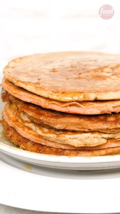 Save this collection to check later the best Keto pancakes recipes for a perfect breakfast while you are on the Ketogenic diet. These low carb pancakes have almond and coconut flour base, I found a recipe for savory pancakes and great Keto waffles option! Best Low Carb Recipes, Low Sugar Recipes, Low Carb Dinner Recipes, Easy Healthy Recipes, Gourmet Recipes, Keto Recipes, Breakfast Recipes, Easy Meals, Food Network Recipes