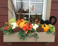 Cheap and easy fall window boxes ideas 31 Fall Flower Boxes, Fall Flowers, Dried Flowers, Flower Pots, Fall Window Boxes, Window Box Flowers, Rama Seca, Fall Containers, Succulent Containers