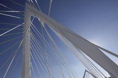 Detalle Puente Matute Remus, Guadalajara, Jalisco.  Diseño Arq. Miguel Echauri y Arq. Álvaro Morales.  Fotografía Carlos Díaz Corona.  www.echaurimorales.com