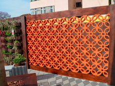 cobogo-01 Screen Design, Gate Design, Facade Design, Breeze Block Wall, Mediterranean Homes Exterior, Brick Architecture, Decorative Screens, Diy Home Crafts, Interior Exterior