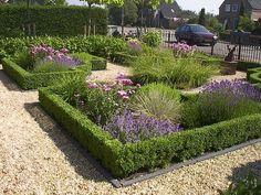 Front Yard Garden Design, Cottage Garden Design, Front Yard Landscaping, Front Gardens, Outdoor Gardens, Boxwood Garden, Garden Pictures, Garden Styles, Dream Garden