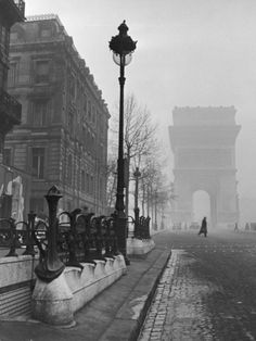 View Showing the Arc de Triomphe and the Subway Station Photographic Print by Ed Clark at Art.com
