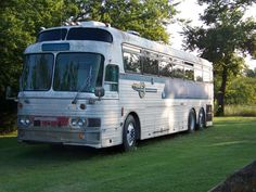 Recreational Vehicles Bus Conversions 1966 Silver Eagle 01 Located In Ramona, Oklahoma : RV Clearinghouse