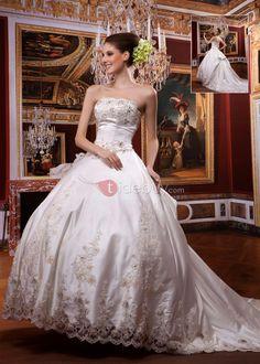 A-ラインストラップレスロングフロアチャペル刺繍ウェディングドレス