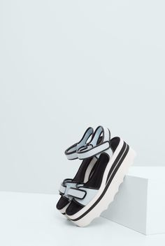 Кожаные сандалии на платформе - Туфли - Женская | MANGO МАНГО Россия (Российская Федерация)